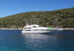 M Fairline Squadron 59 for charter in Split
