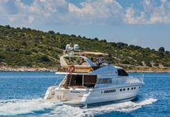 M Fairline Squadron 65 for charter in Primosten