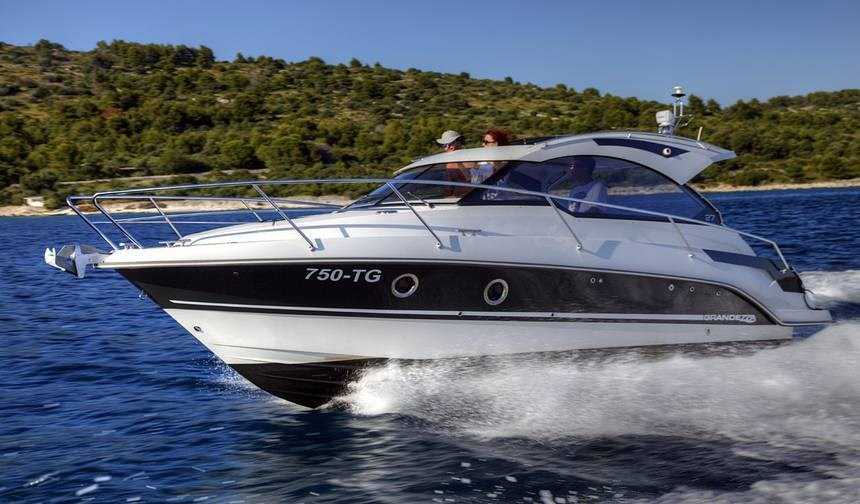 Grandezza 27 OC for charter in Trogir