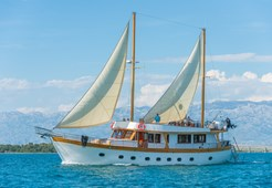 Gulet Adriatic Breeze for charter in Trogir