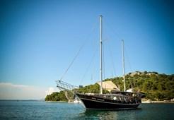 Gulet Vila Vrgade for charter in Split