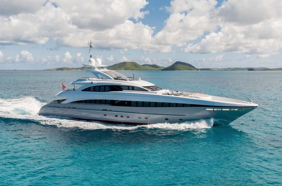 Heesen 44M for charter in Split