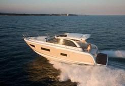 Jeanneau Leader 40 for charter in Trogir
