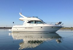 Jeanneau Prestige 36 for charter in Primosten