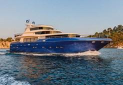Johnson 87 for charter in Trogir