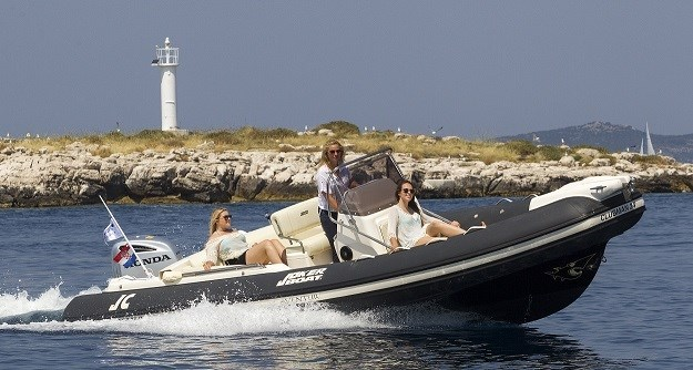 Jokerboat Clubman 24 for charter in Trogir