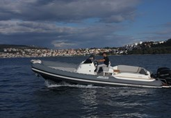 Jokerboat Clubman 28 for charter in Trogir