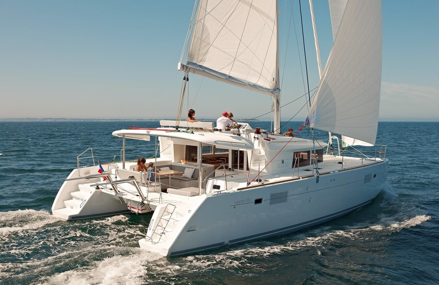 Lagoon 450 for charter in Slano