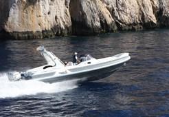 R MV Vesevus 35 FB Broker
