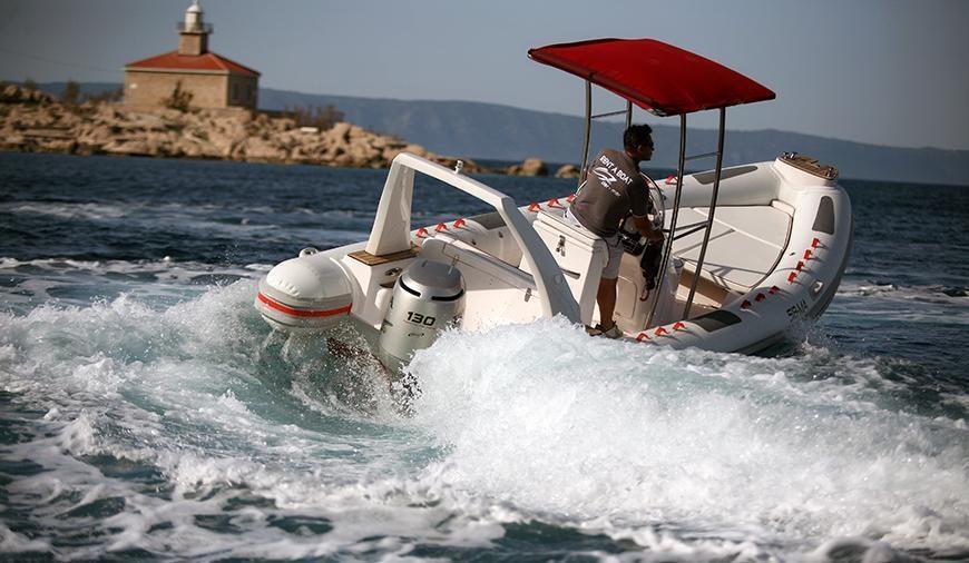 Maestral 650 for charter in Makarska