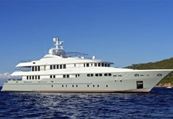 L Mondomarine 162 for charter in Dubrovnik