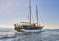 Motor-sailer Romanca for charter in Trogir