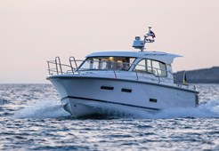 Nimbus 305 Coupe for charter in Pirovac