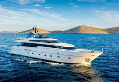 San Lorenzo 94 for charter in Zadar