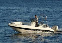 M Speeder 560 for charter in Hvar