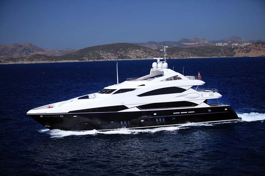 Sunseeker 121 for charter in Hrvatska