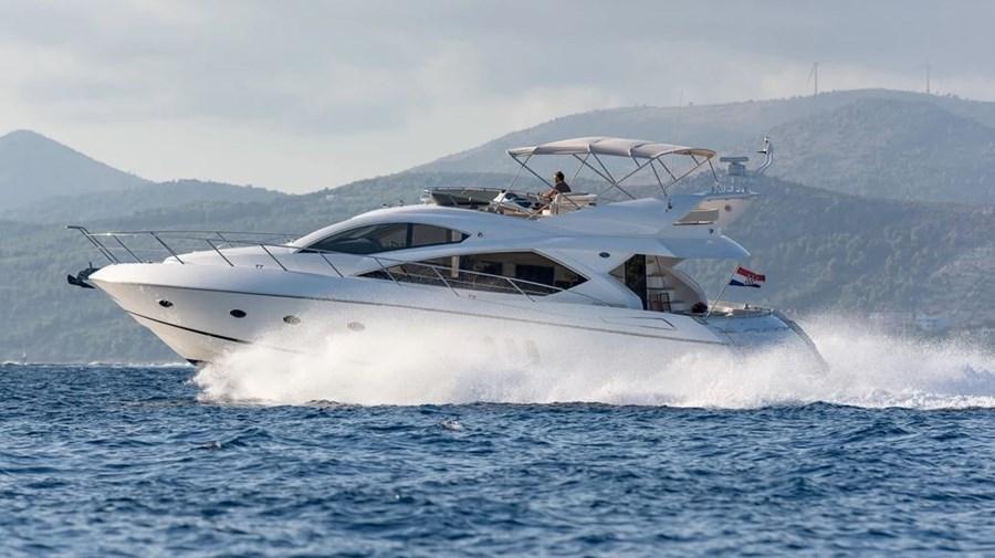 Sunseeker Manhattan 60 Fly for charter in Split