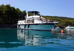 Trader 41 fly for charter in Zadar