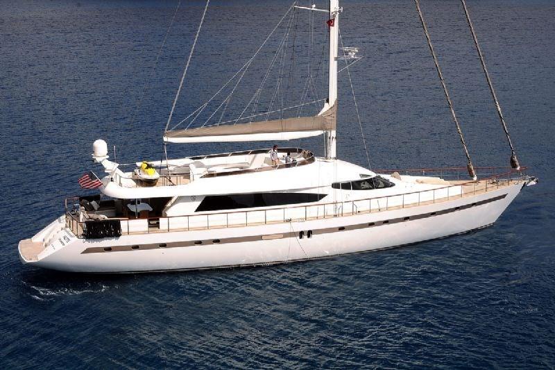 Yener 32 for charter in Split