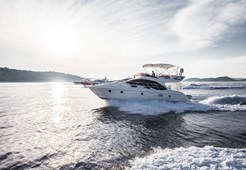 M Azimut 43 fly for charter in Sibenik