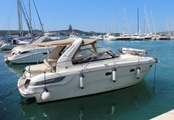 M Bavaria 32 Sport for charter in Vrsar