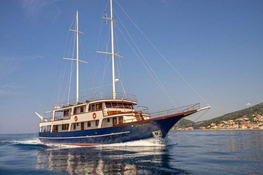 Custom Luna for charter in Krilo Jesenice