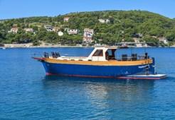 M Custom Vagabundo for charter in Split