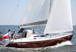 S Delphia 40.2 for charter in Sibenik