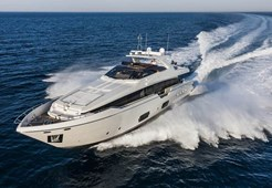 L Ferretti 960 for charter in Bar