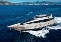 L Heesen 120 for charter in Zadar