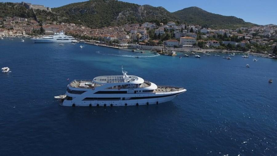 Mini cruiser Ban for charter in Split