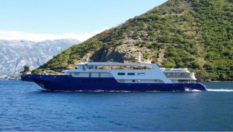 Mini cruiser Princess Eleganza for charter in Split