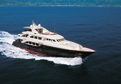L Mondomarine 133 for charter in Dubrovnik