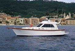M Sciallino 40 fly for charter in Split