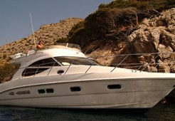 M Sealine F42 for charter in Seget Donji